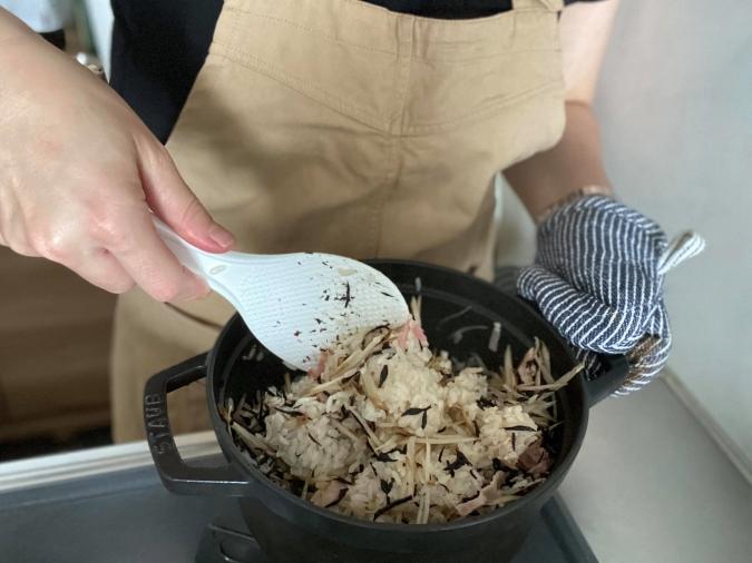 ごぼうとベーコンの洋風炊き込みご飯作り方