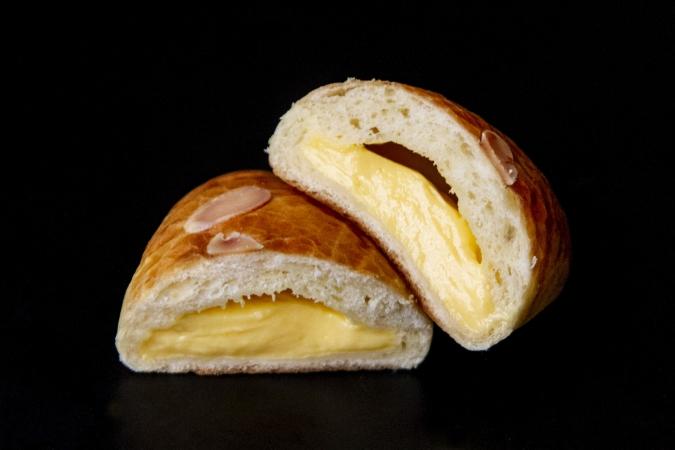 酵母工房 田の香(たのか) クリームパン