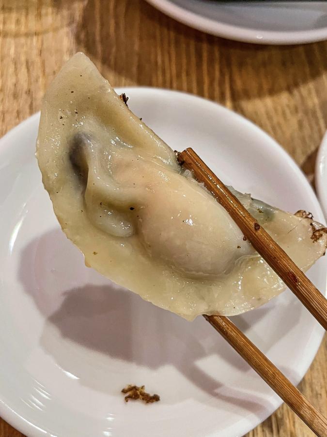 『壽ゑ廣 餃子』広島牡蠣餃子アップ