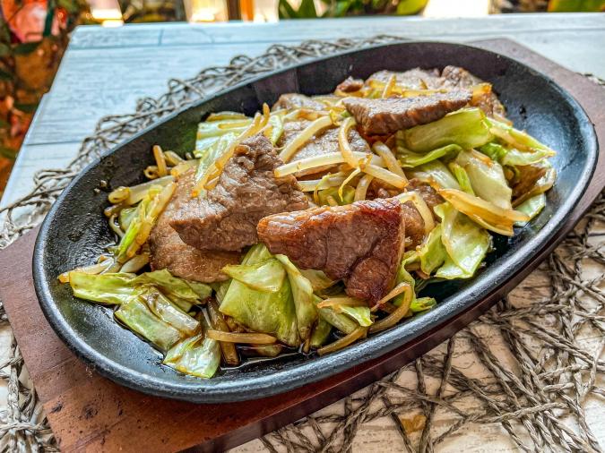 「焼肉 菜好牛」肉野菜炒め