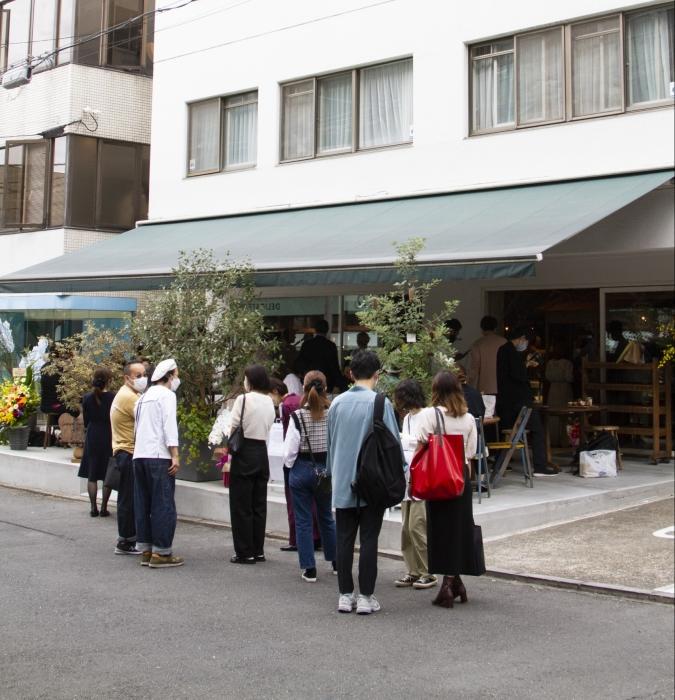 アマムダコタン表参道店プレオープン時の行列